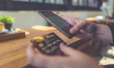 Kjøp utført på smarttelefoner utgjør nå 50 prosent av all netthandel i Norden.