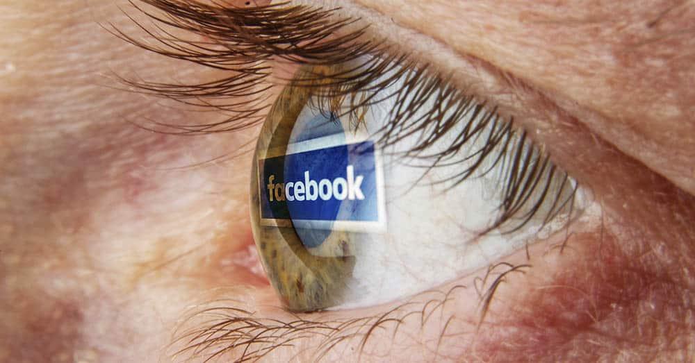 En tysk studie har sett på hva som leder til Facebook-avhengighet. Foto: Rokas Tenys/Shutterstock
