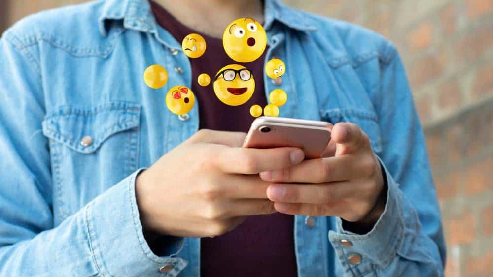 61 prosent bruker emojier i jobb-sammenheng.