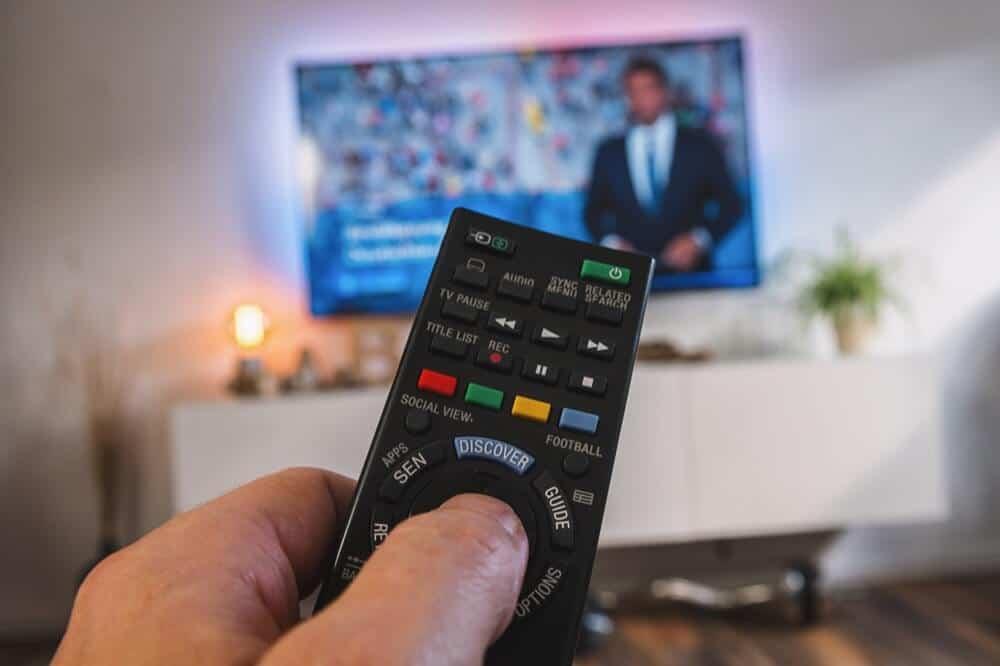Én av tre dansker mellom 15 og 25 år foretrekker tradisjonelt lineær-TV. Illustrasjonsfoto: Shutterstock