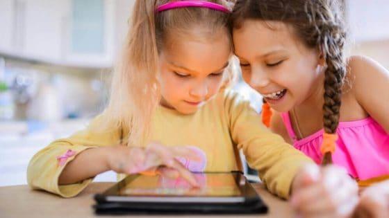 De siste fire årene er tiden ungdommer bruker på nettvideoer nær doblet, og YouTube er den store vinneren. Foto: Shutterstock