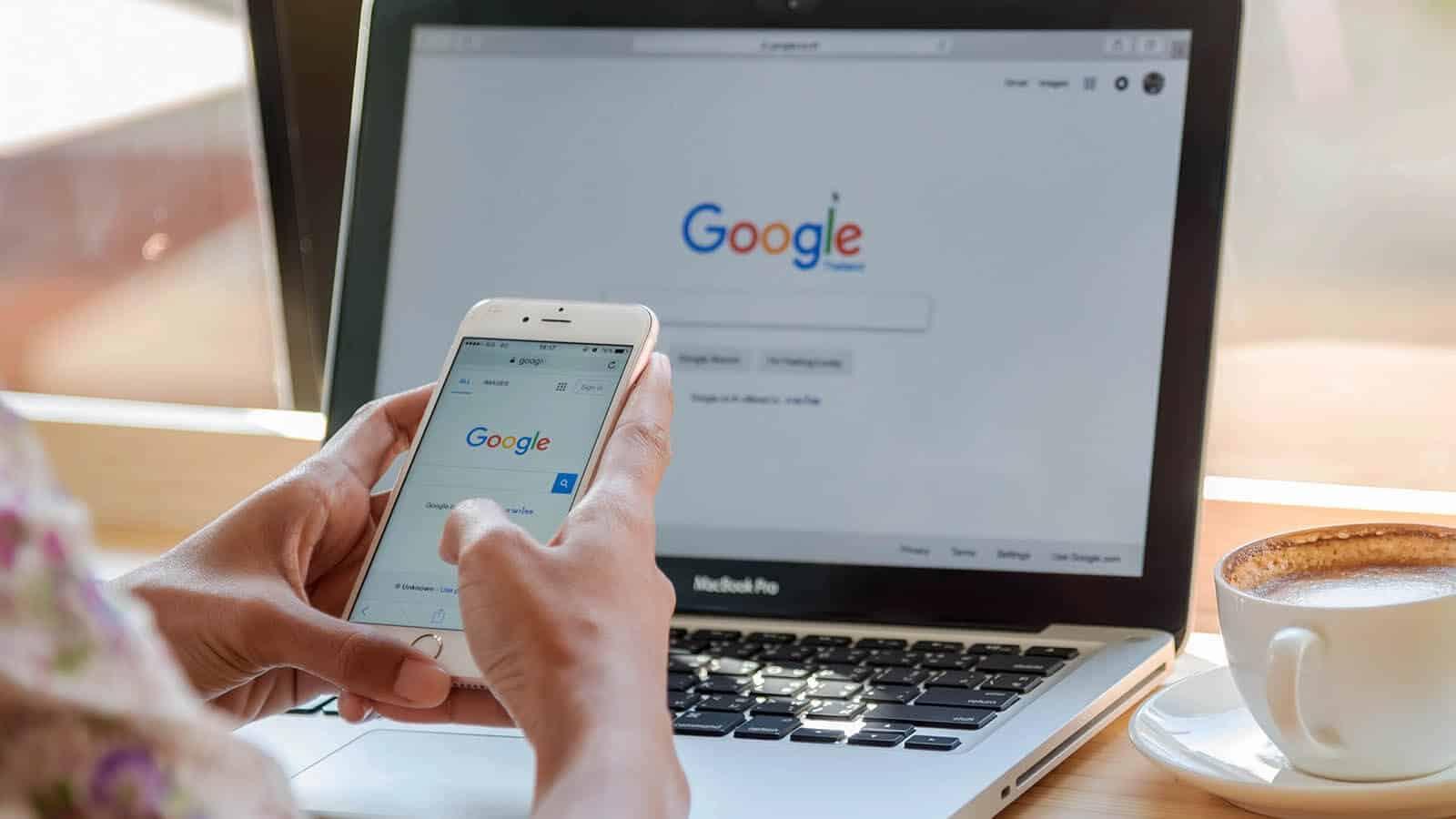 For første gang er kvalitet og relevans viktigere enn lenker og nøkkelord for å rangere høyere i Google-søk. Foto: Sirirat/Shutterstock