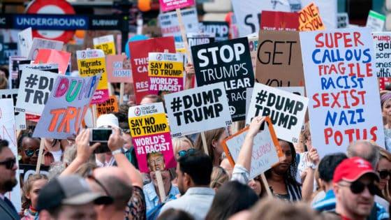 Ytringsfriheten er den laveste som er målt på ti år. Her fra en demonstrasjon i London 13. juli 2018. Foto: David Levenson/Alamy Live News